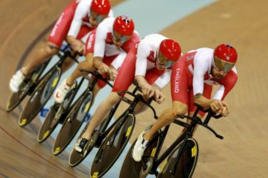 Burke wins fitness race for World Track Championships