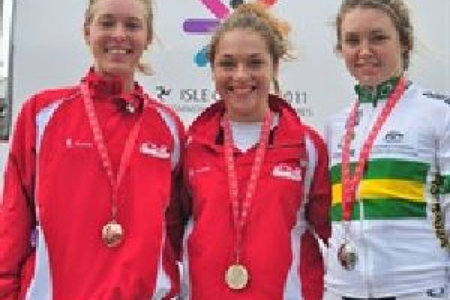 CYG11: Medal heaven for England as youngsters strike gold